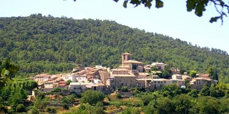 En bref Beaumont de Pertuis un petit village perdu dans les collines …..