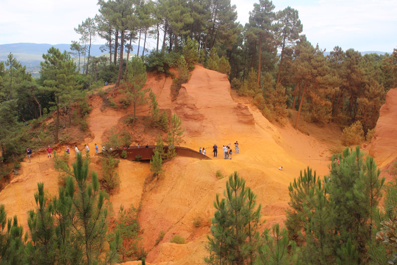 Roussillon dans le luberon tourisme et vie locale - Chambre d agriculture du roussillon ...