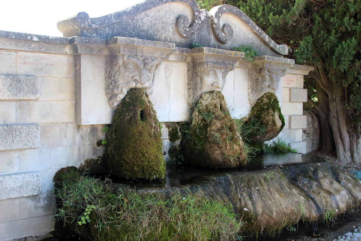 Fontaine Lourmarin