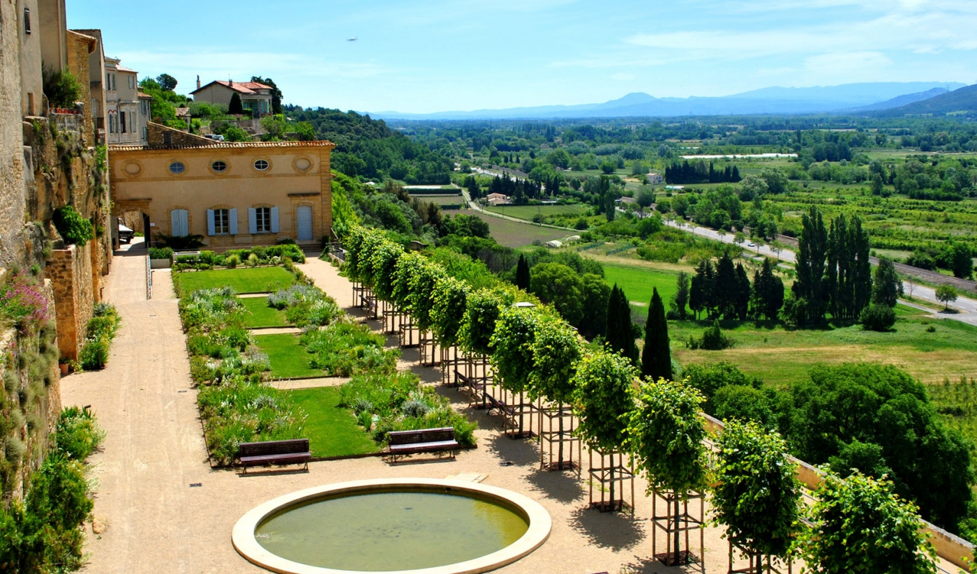 Jardins remarquables dans le luberon visites fleuries for Jardin remarquable